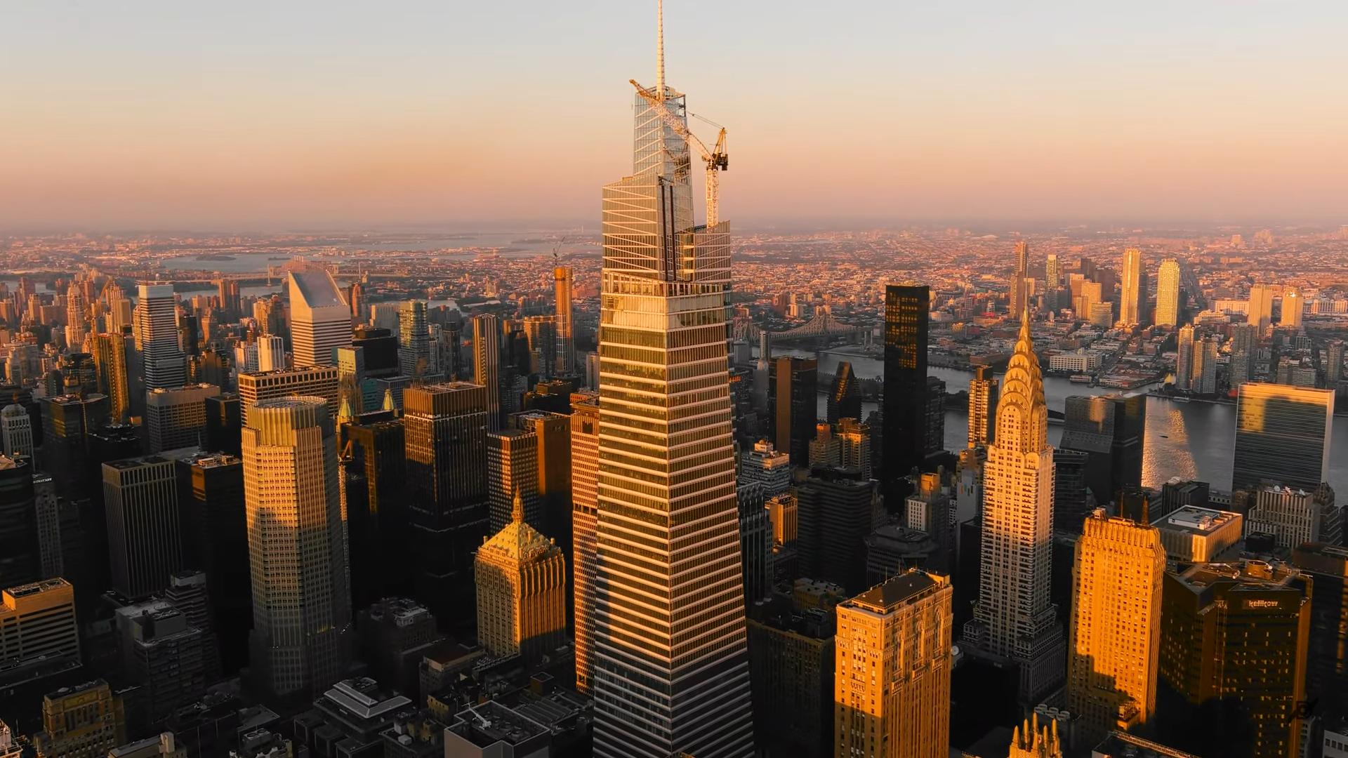 New York. Un nou zgârie-nori inaugurat, al doilea ca mărime din Manhattan, în ciuda crizei provocate de pandemie. Investiția se ridică la 3.3 miliarde de dolari, iar spațiile vor fi ocupate până la finalul anului. - Biziday